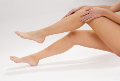 Wunde Beine: Ursachen und natürliche Behandlung