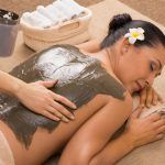 Ton: Natürliche Behandlung für Körper und Haut
